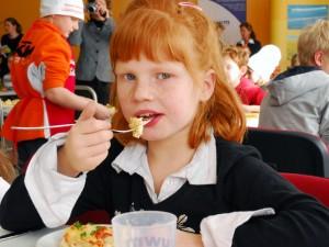 Anspruch oder Wirklichkeit? Eine gutes Schulrestaurant erkennt man daran, wenn alle Kinder mit Spaß und Freude am Essen teilnehmen!