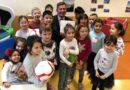 Dussmann Service spendet praktische Bildungs-Boxen für Kinder