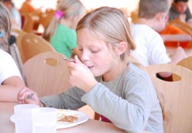 Debatte um zukünftiges Schulessen in Berlin